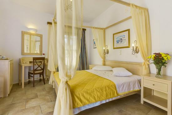 Hotel Mathios Village: honeymoon suite