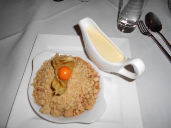 Pietros Italian Restaurant: FRUIT CRUMBLE