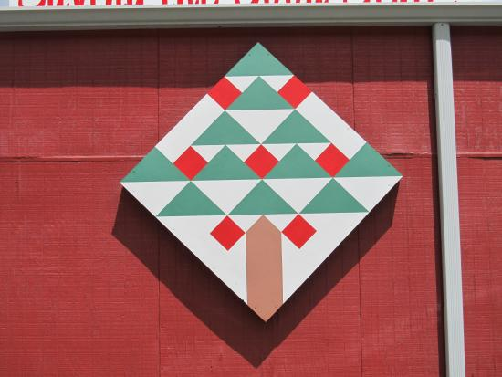 The Orchard at Altapass: Quilt sign on side of building