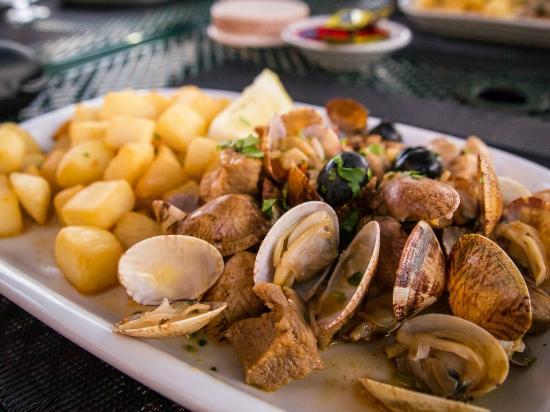 Casa Do Rio Restaurante : Pork with clams