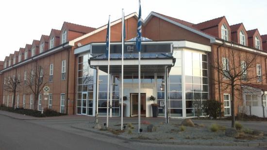 NH Magdeburg: отель