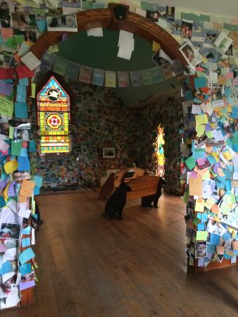 The Dog Chapel : Remembering our dear friends