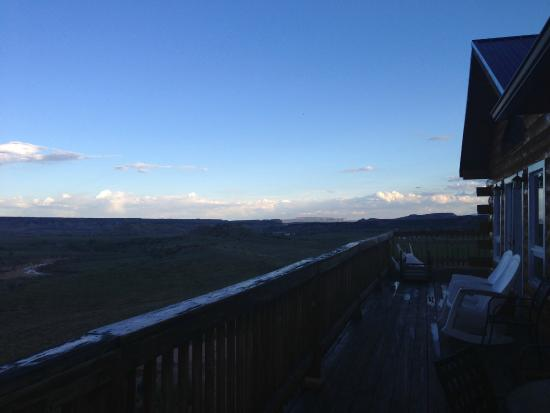 Buffalo Sage Bed & Breakfast: View on the meadow