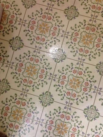 Night Inn: Beautiful tile