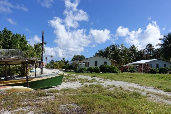 Ariihee Vai: La pension en arrivant par le lagon