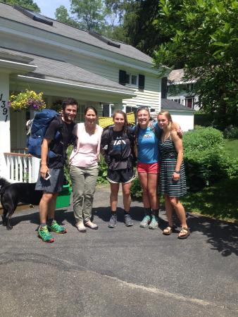 Blackinton Manor Bed & Breakfast: Our daughter with her AT hiker friends and Lesa, just before they headed back onto the trail!