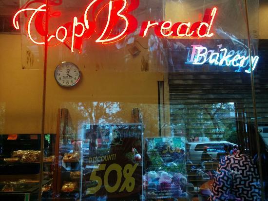 Toko Roti Top Bread Di Daerah Glodok Di Jakarta