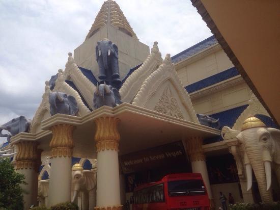 Savan Vegas Hotel & Casino Image
