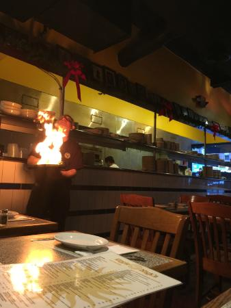Uncle Nick's : Flaming Cheese