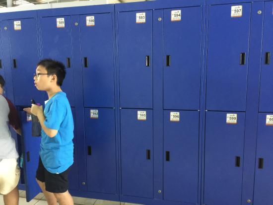 Legoland Malaysia : Size of the big lockers