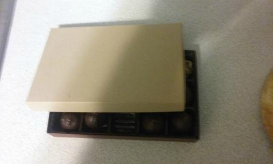 Calvert, Teksas: CocoaModa Unmarked Chocolate Box