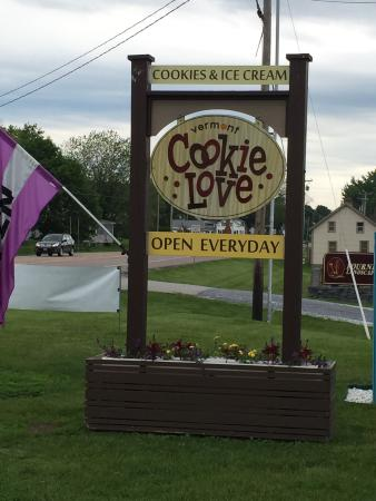 Vermont Cookie Love: Love their cookies