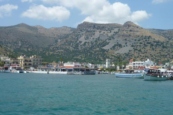 Olive Grove Apartments: Elounda harbour (view from boat)