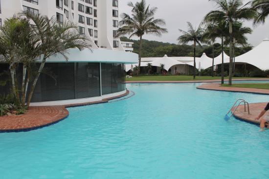 Breakers Resort: La piscina