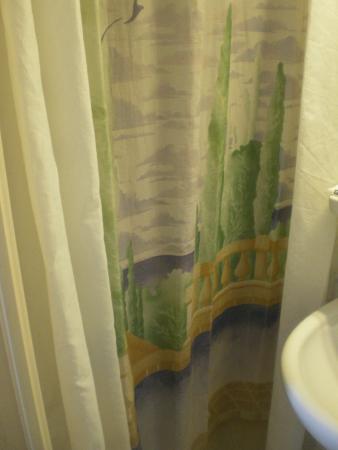 Hotel de la Place des Alpes: doccia
