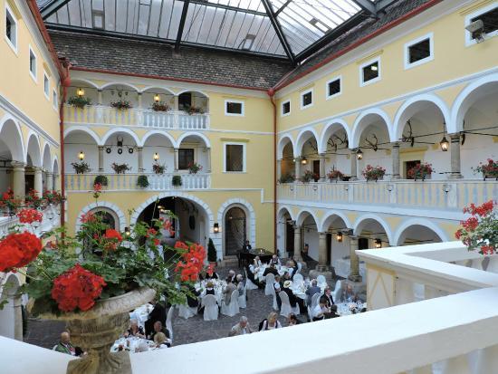 Hotel SchloГџ Weikersdorf