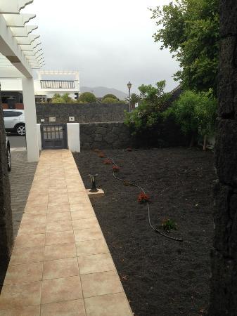Villas Susaeta: Front Garden of Villa