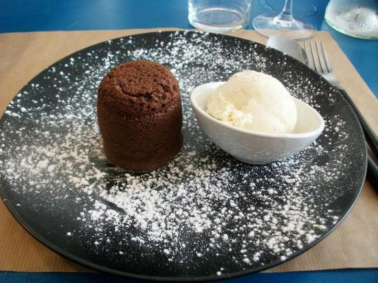 La Maison : Un fondant au chocolat et sa boule de glace vanille