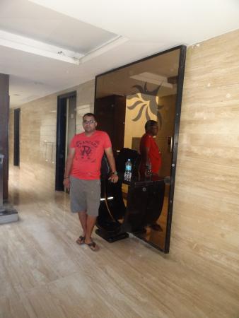 Hotel O'Delhi: Passage
