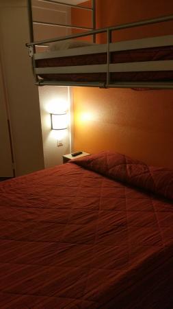 Premiere Classe Biarritz : chambre 2 à 3 personnes