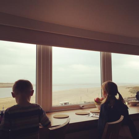 The Lookout: Breakfast with aview