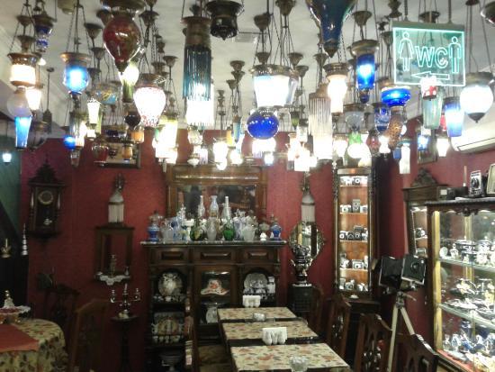 Kybele Cafe Restaurant: Sala interna
