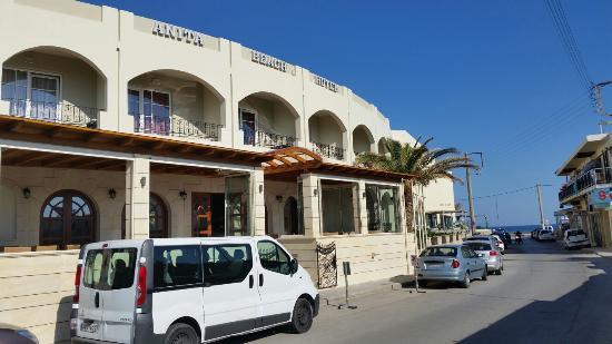 Anita Beach Hotel
