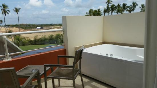 Balcony with private hot tub picture of breathless punta for Balcony hot tub