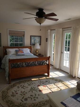 The Baywood Bed and Breakfast: Lighthouse room