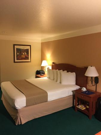 Best Western Cordelia Inn : King bed