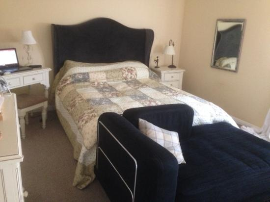 Firbank Guest House: great room