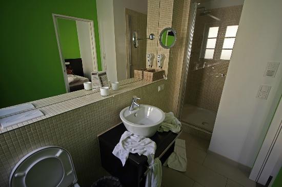 Maximilian: salle de bains