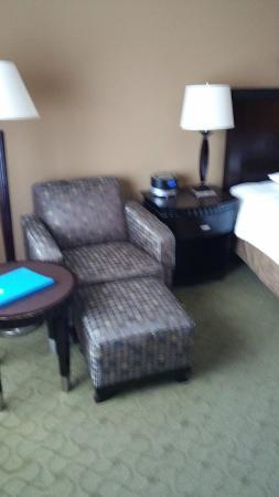 Hotel Huntington Beach: Chair & Ottman
