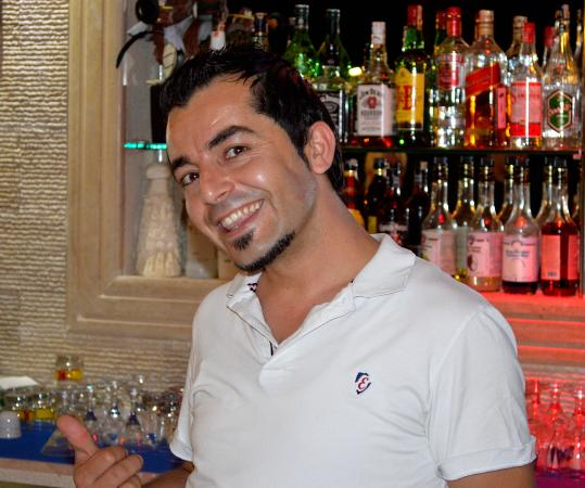 Hotel Keskin Dalyan: This is Tom, the friendly barman at the hotel.