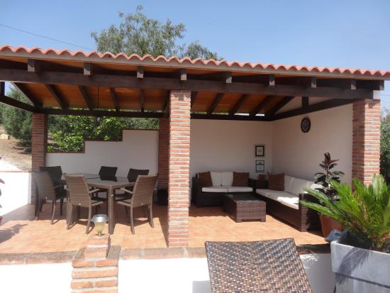 Alora Valley View Accommodations: The cosy veranda by the pool