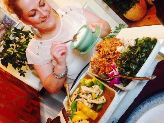 Yum Yum Thai Restaurant: photo0.jpg