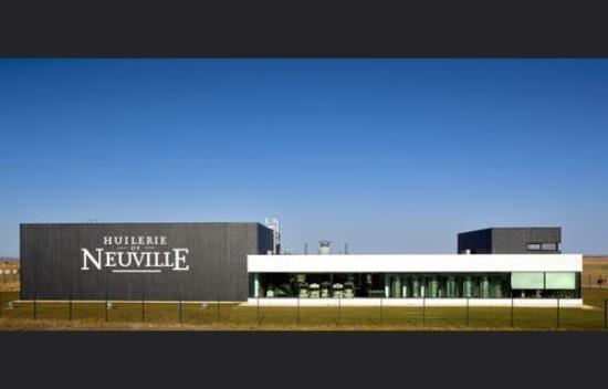 Neuville de Poitou, Francja: Point de vente de produits culinaire mais également culturel. Véritable exposition vivante aux o
