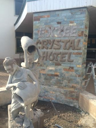 Ex-Tee Crystal Hotel : New fountain in front of hotel