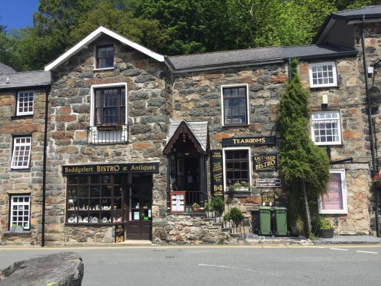 Beddgelert Antiques and Tea Rooms: External