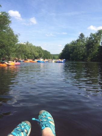 New Hartford, CT: Great times had tubing on the Farmington River!