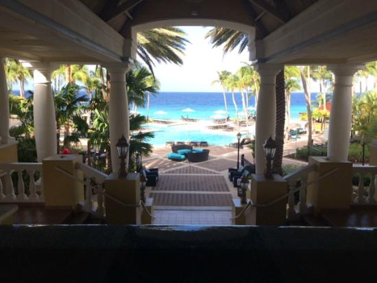 Curacao Marriott Beach Resort & Emerald Casino : This is the first view upon entering the lobby area...
