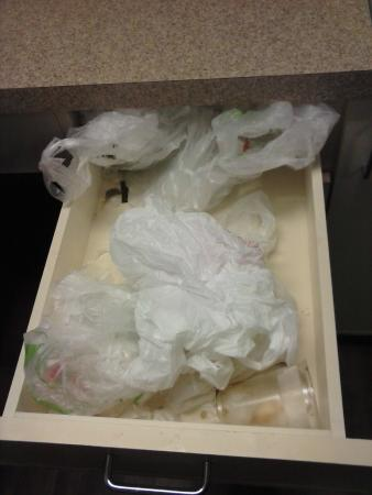Extended Stay America - Chicago - Downers Grove: Left over bags and a dirty cup.  Yuck!