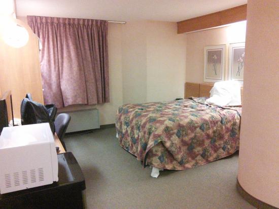 slumber inn room