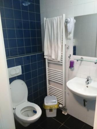 Hostel Pekarna : baño