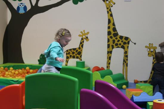 Glendeer Pet Farm: Fun in the toddlers room