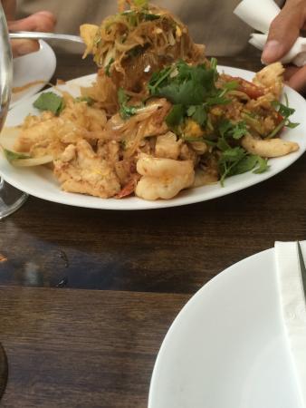 SriPraPhai Thai Restaurant: photo1.jpg