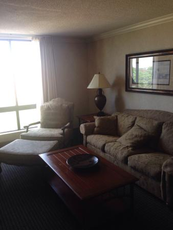 Hampton Inn & Suites Kansas City Country Club Plaza: photo1.jpg