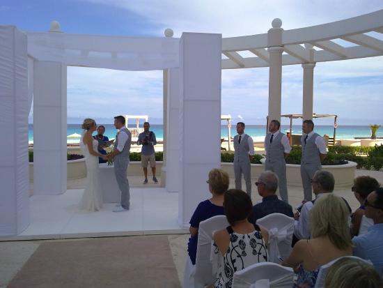 Sandos Cancun Lifestyle Resort Wedding