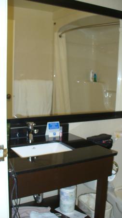 Comfort Inn Brossard: Salle de bain