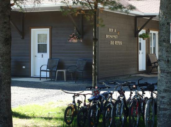 Bed and Breakfast Du Repos: Bicycles!!